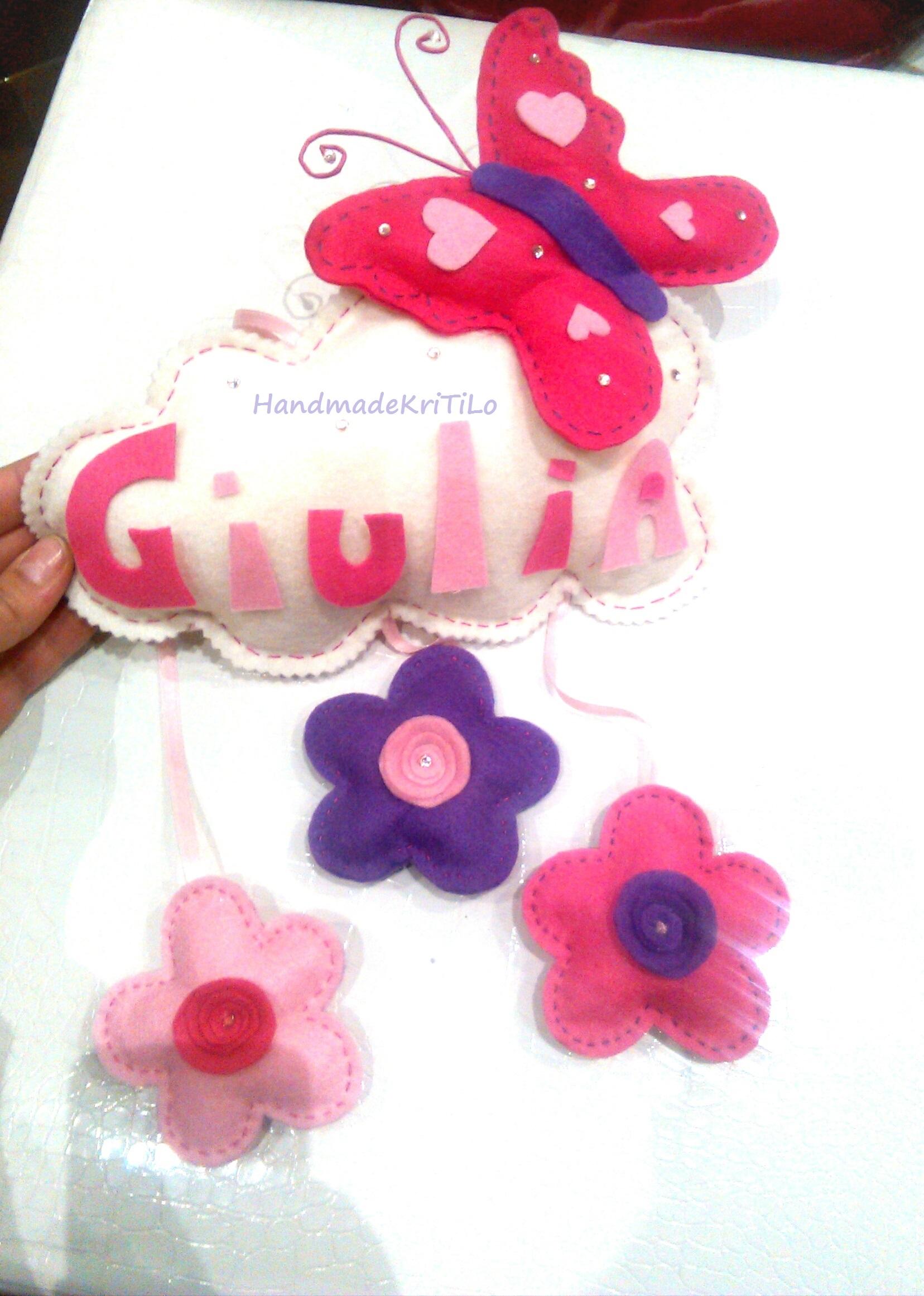 fiocco nascita farfalla su nuvola in pannolenci con fiori