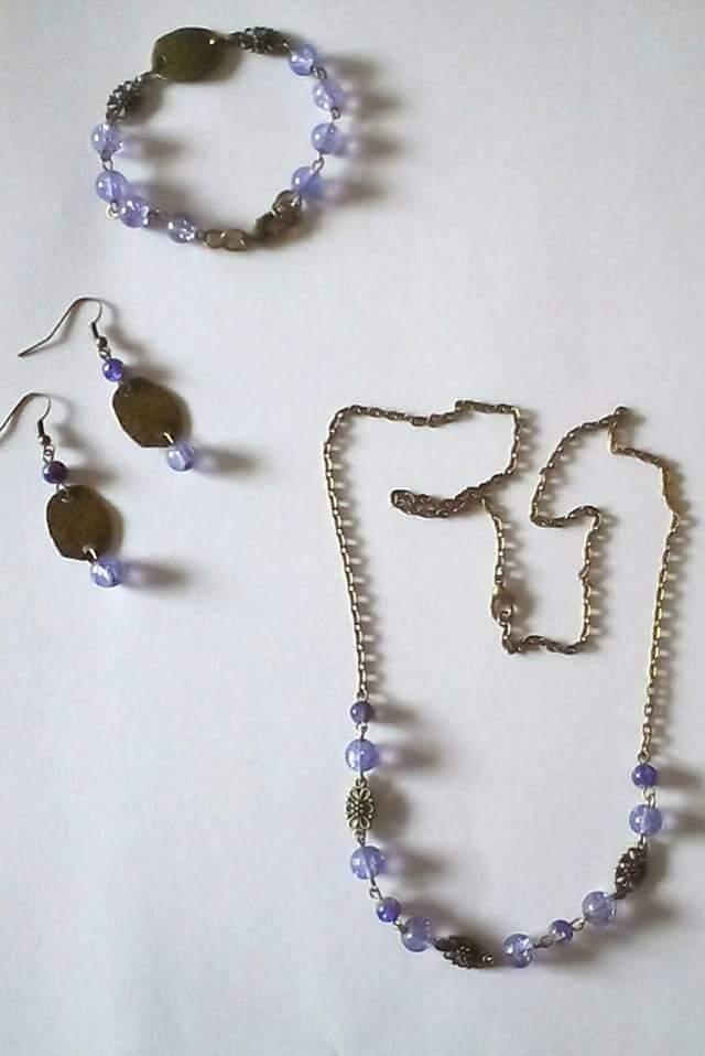 Collana,bracciale,orecchini bronzo