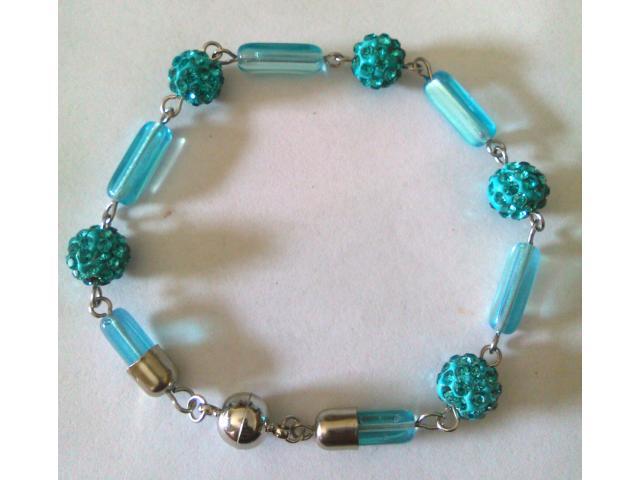 Bracciale in acciaio con perle di argilla e strass