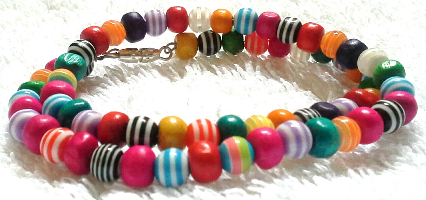 bracciale bigiotteria con perline